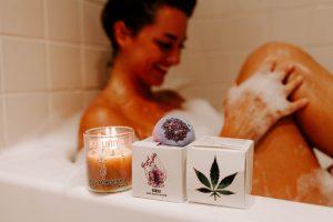 Sense Aromatherpy Candle & CBD Livity Bath bomb